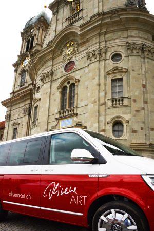 19.05.2019 Olivera Kälin unterstützt mit STEINSIEDELN die Sanierung des Klosterplatzes