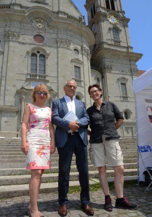 19.06.2019_Olivera Kälin, Altbundesrat Adolf Ogi neben Journalistin und Fotografin Gina Graber